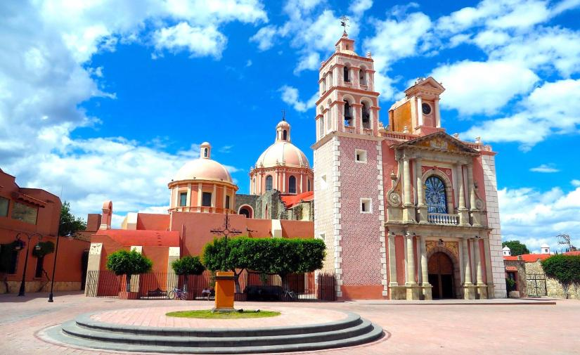 Peña de Bernal y Tequisquiapan