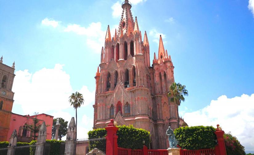 Guanajuato, Monumento a Cristo Rey y San Miguel > Viaje con protocolo